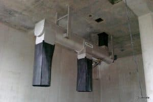 Convoyeur fixé au plafond