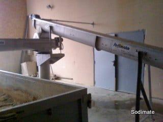 Convoyeur de transfert de boue en reprise du filtre à bande