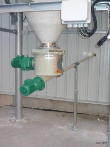 Hydrated lime discharging and dosing unit