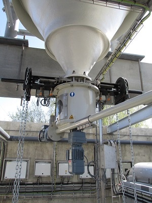 View of a discharge and metering unit ZCD 400 DDMR 40 with a chain wheel slide gate valve