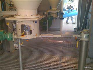 Dévouteur doseur sous silo carbonate GEA