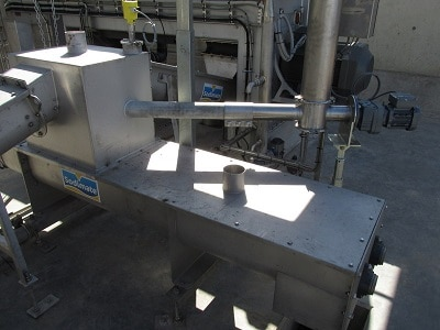 View of the injector ID80 and the double-shaft sludge mixer