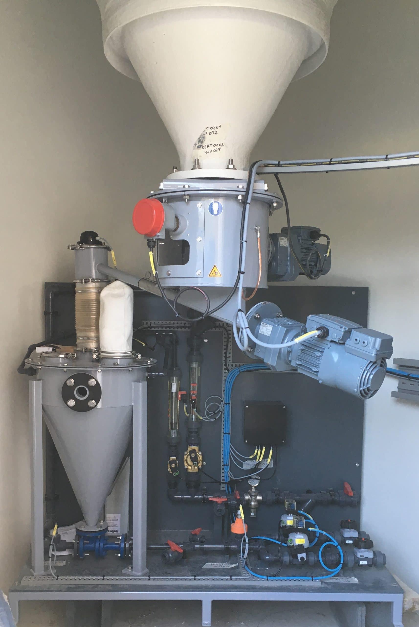 ejector under storage silo